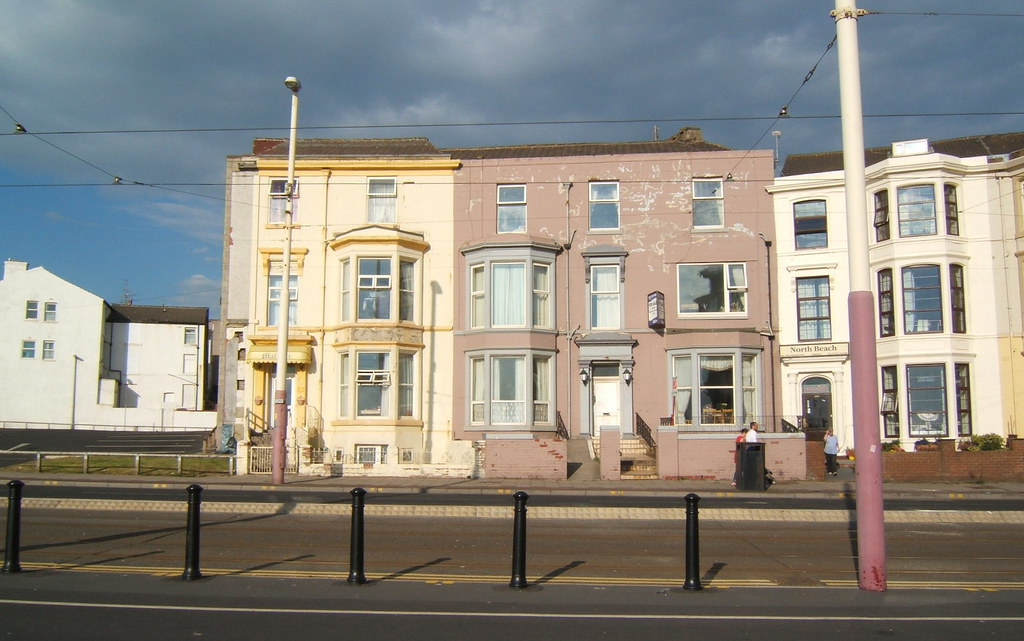 Lovely ... North Beach Seafront Apartments, 184 The Promenade, Blackpool,  Lancashire FY1 1RJ | By