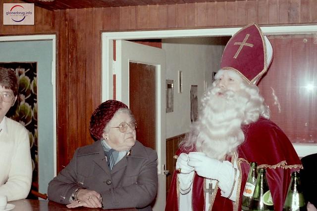 Glanerbrug 1982 - Sinterklaasdisco Speeltuin Het Centrum