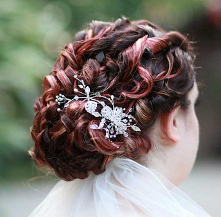 curly-wedding-updo-romantic-1 | by vanmobilehair