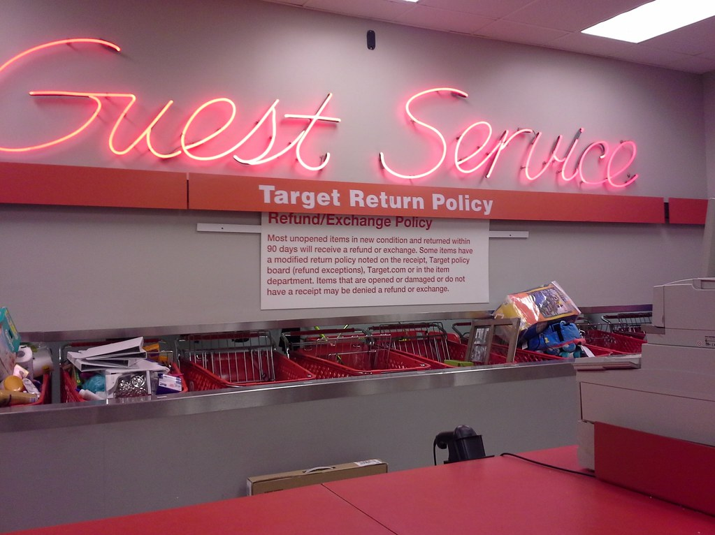 Guest Service counter, Target Horn Lake | More pics from the… | Flickr