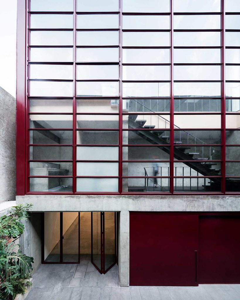 Villa renovation for Galería OMR by Mateo Riestra, José Arnaud-Bello and Max von Werz Sundeno_02