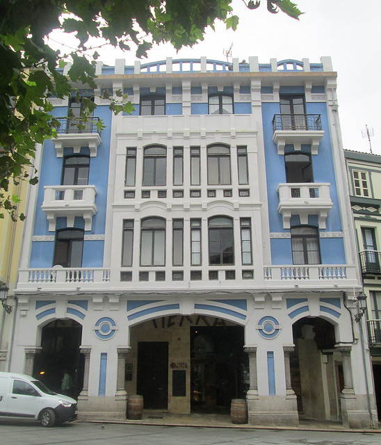 Spanish Style, Almost Deco, Avilés