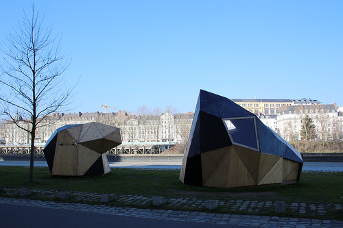 strange constructions on Île de Nantes