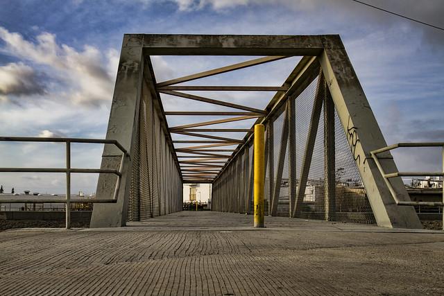 Rio Hondo riverbed bridge