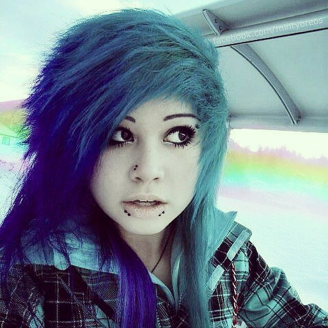cutie emo girl taking a nice load facial