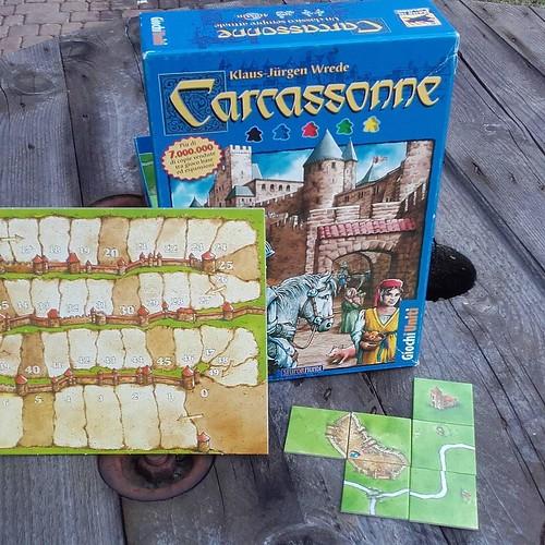 Viaggia indietro nel tempo fino al medioevo con Carcassonne gioco strategico e coinvolgente, disponibile domani sera in biblioteca insieme a molti altri. Impossibile mancare, ore 20.30