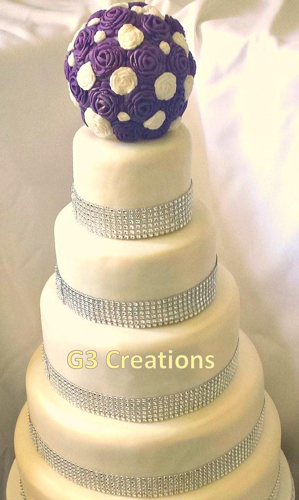 Wedding cake Diamante and roses | 5 tier round wedding cake … | Flickr