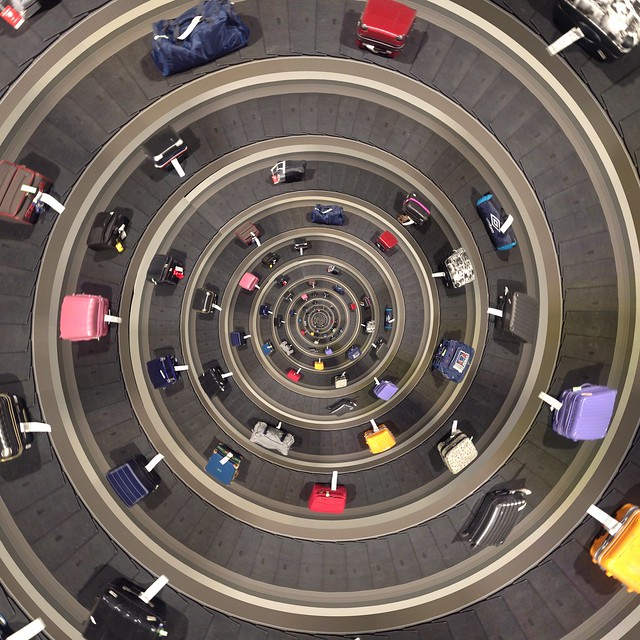 Spiral baggage claim