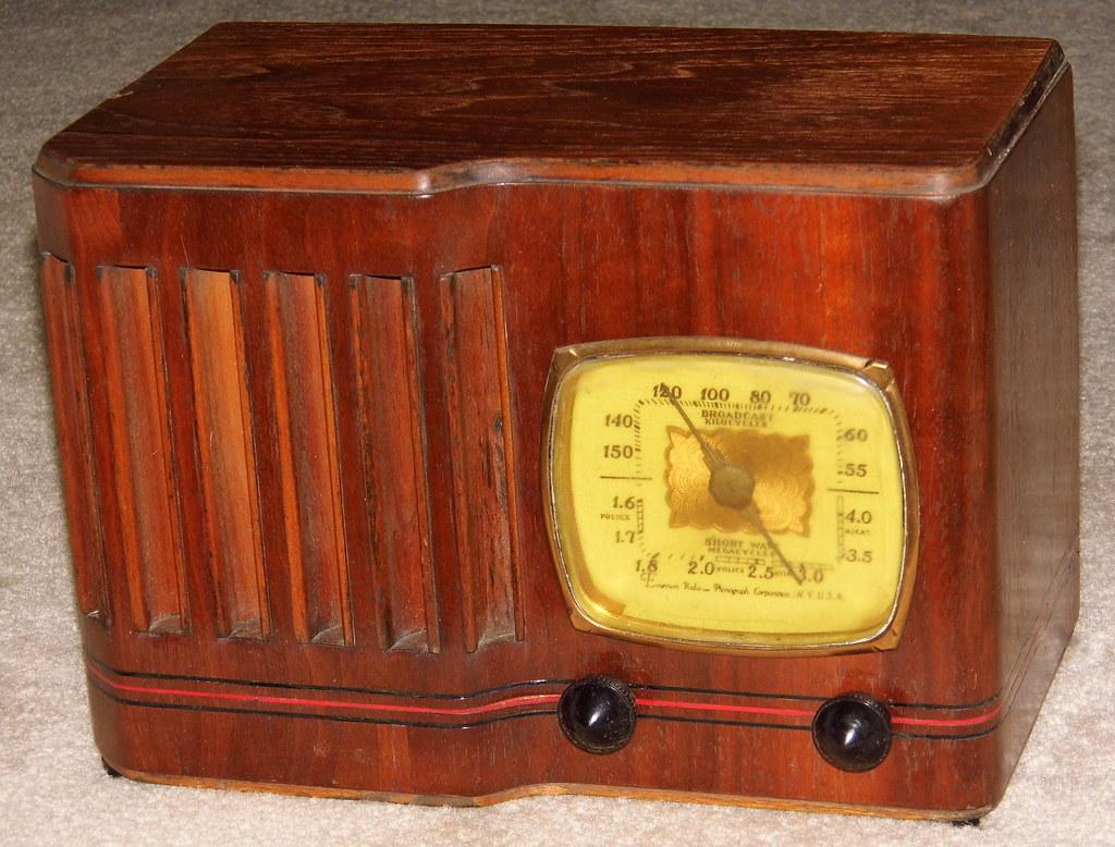 For explanation. emerson vintage radio