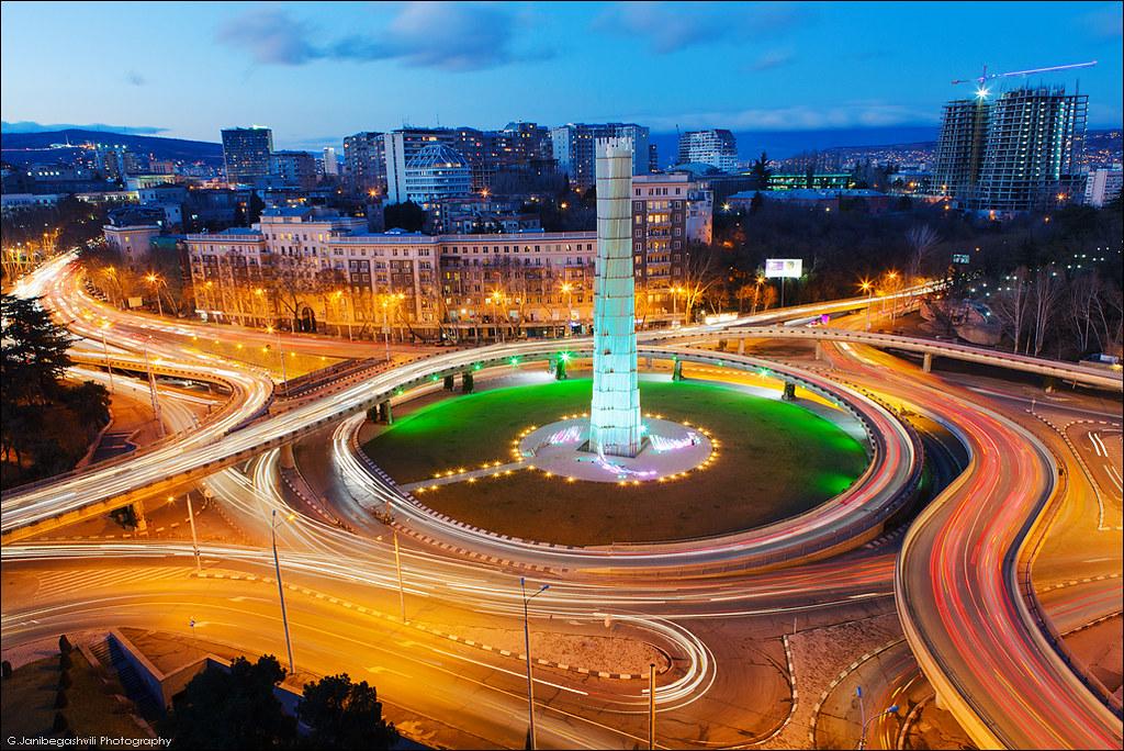 Картинки по запросу площадь героев в тбилиси