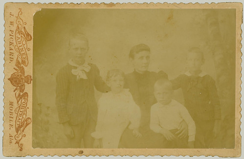 Cabinet Card mother and four children