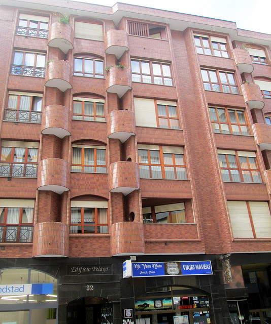 Art Deco Tiling, Avilés