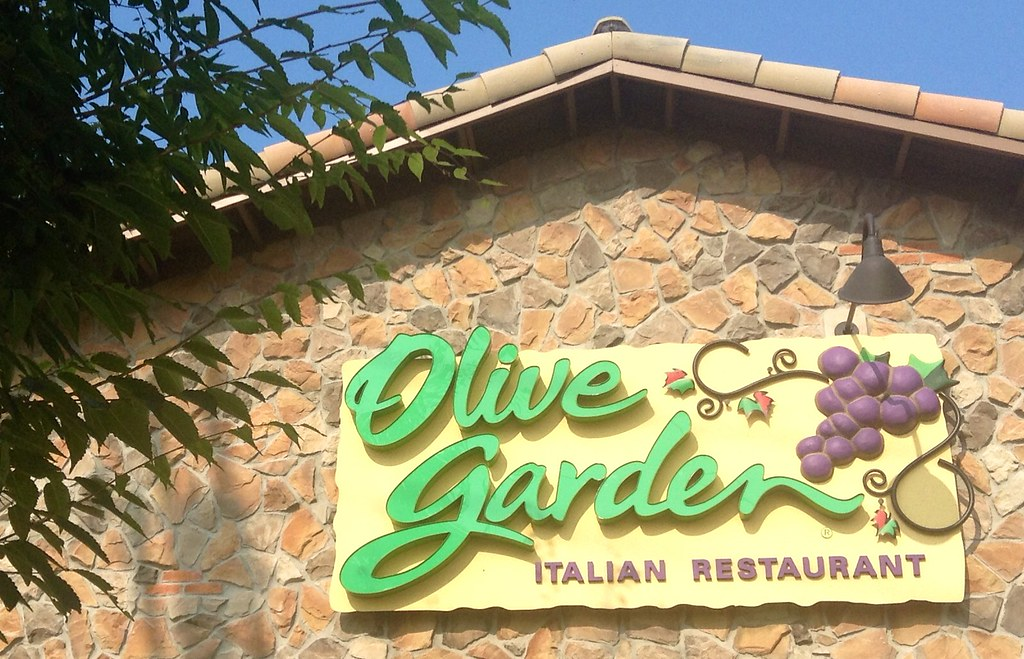 Olive Garden, North Haven, CT | Mike Mozart | Flickr