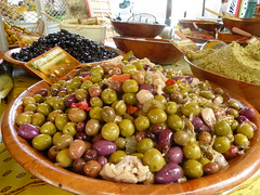 Le marché des mardis et samedis à Saint Tropez