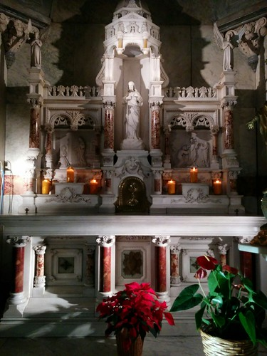 Inside the Chapel of Notre-Dame-de-Bon-Secours (5)
