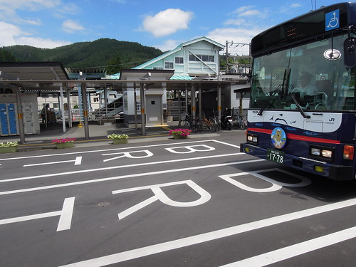 201407_気仙沼駅のBRTバス停