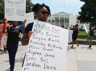 14a.MikeBrown.SilentProtest.WhiteHouse.WDC.16August2014 | by Elvert Barnes