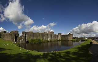 IMG_9125pan1-Caerphilly Castle | by Reietto
