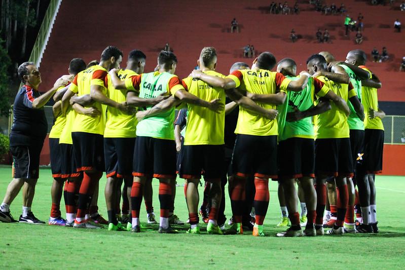 vitória x Botafogo PB - Fotos Mauricia da Matta