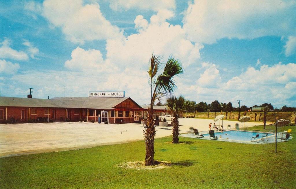 Coronet Motel 601 - Eastover, South Carolina