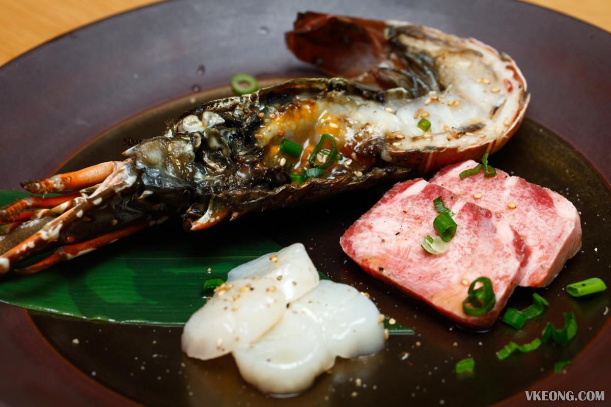 Yakiniku Toraji Main dish seafood and beef