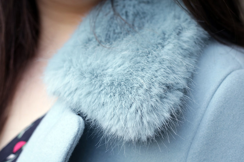 outfit - collar detail