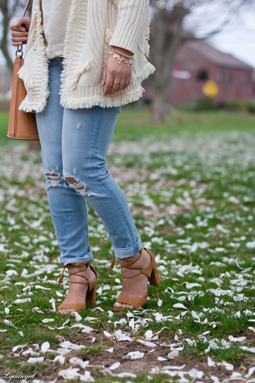 fringe cardigan, distressed jeans, wool fedora.jpg