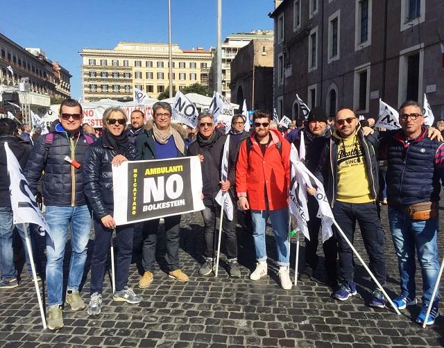 Noicattaro. Protesta ambulanti intero