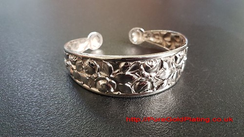 Bangle in Silver Plate | by PureGoldPlating