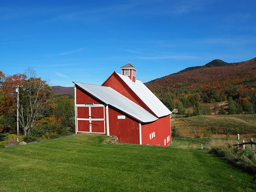 another red barn in Vermont | by Rick Payette