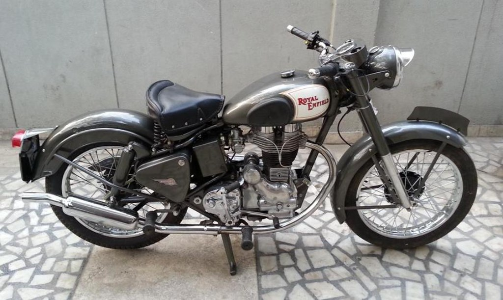 Royal Enfield bullet 1952 | Vintage Auto World | Flickr