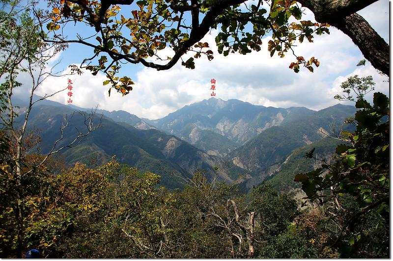朗吾呂山稜線西北眺倫原山 3-1