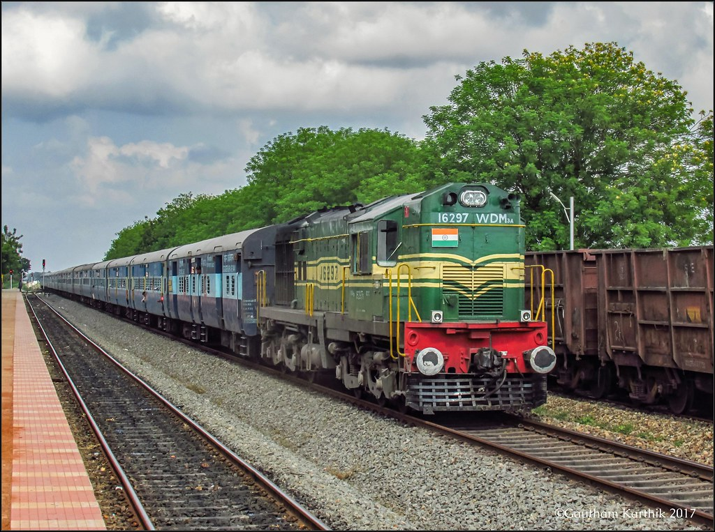 16188 Ernakulam-Karaikal Tea Garden express..   An ALCo DL56…   Flickr