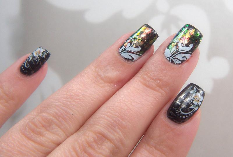 flakies nail art