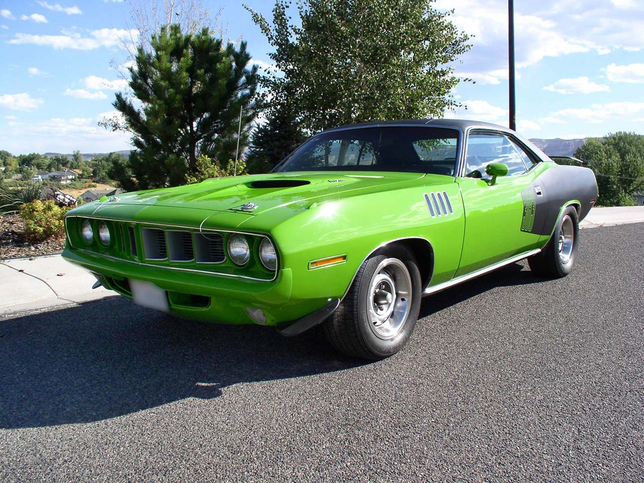 20 Classic & Badass Muscle Cars That Will Never Get Old #19: Plymouth Barracuda (1971)