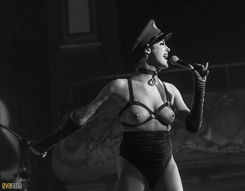 LAURA DESIREE monde ose burlesque ball 05 | by Eva Blue