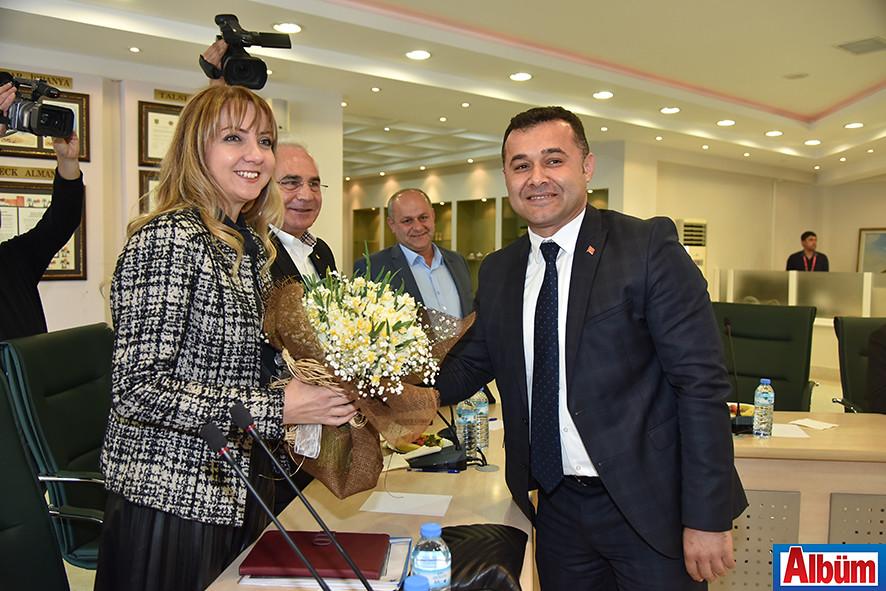 Alanya Belediye Başkanı kadınları kutladı3