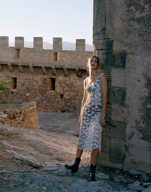 Amanda-Wellsh-Porter-Yelena-Yemchuk-13-620x787