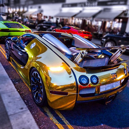 Lamborghini Bugatti: Goldbug Is Back In Town. #goldbug #goldbugatti #bugatti #l