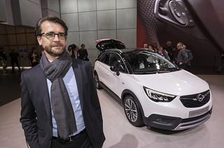 Olaf Kaden mit dem Opel Crossland X