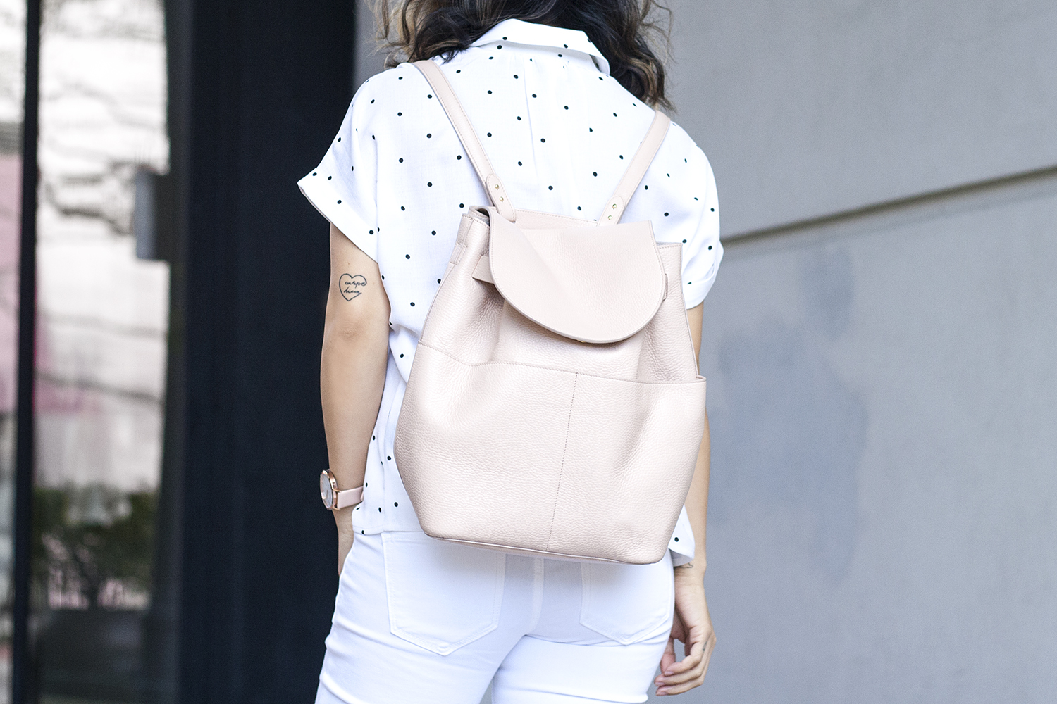 08cuyana-backpack-blush-white-sf-fashion-style