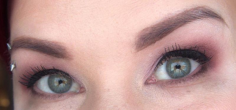 eyeliner rajaus