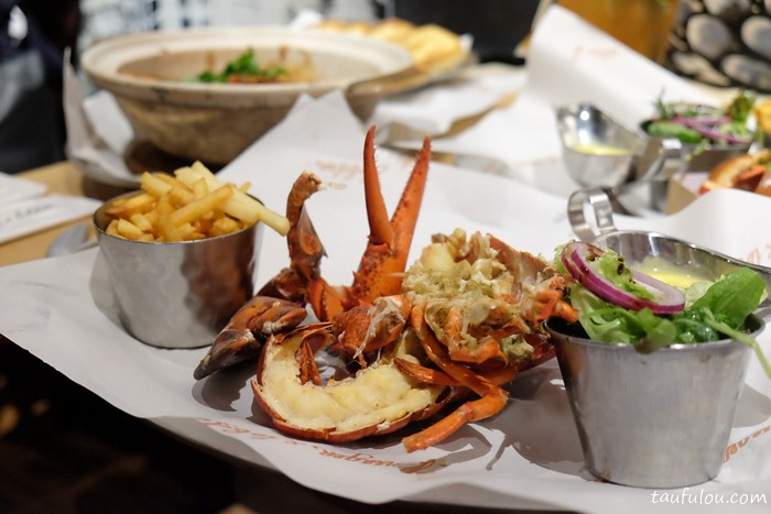 Burger and Lobster (16)