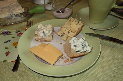 Brötchen mit diversen Käse