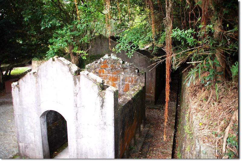 大武崙砲台廁所、營房