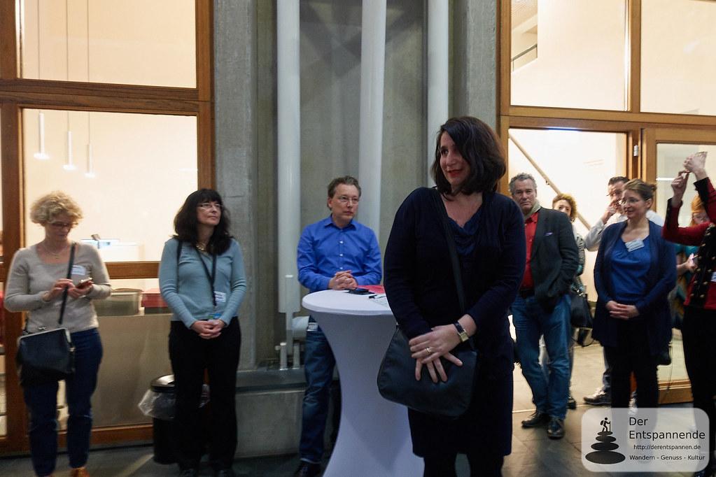 Dr. Mirjam Wenzel begrüßt zum Social Media Walk im Museum Judengasse #mjsmcffm