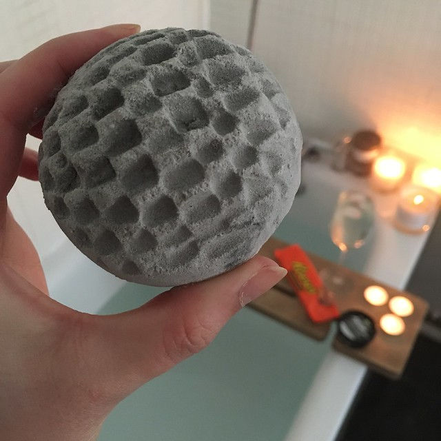 Lush Metamorphosis Bath Bomb