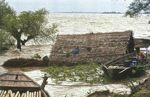 2007 में बाढ़ के कारण खगड़िया जिले में जल संकट