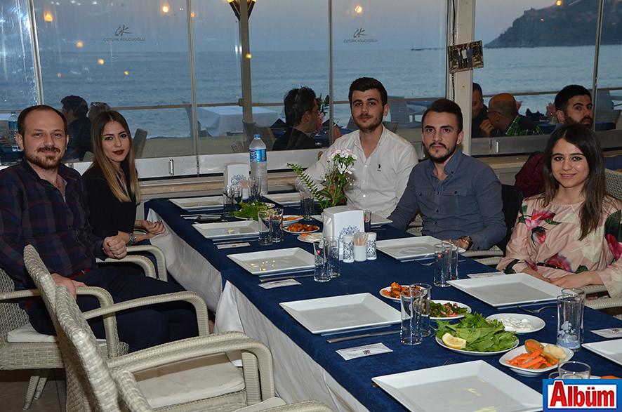 Servet Çamcı, Esra Kocabaş, Mehmet Belen, Ali Karataş, Cemile Şahin