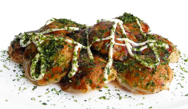 Zelfgemaakte Takoyaki uit een poffertjespan